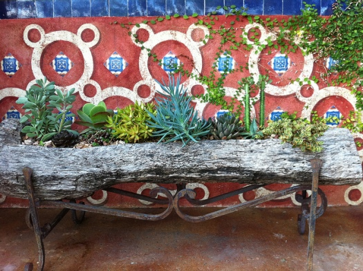 Fonda San Miguel Exterior