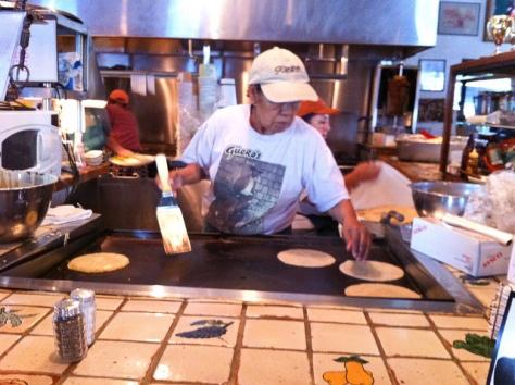 Gueros Making Tortillas
